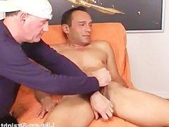 st8 dude vidz views pussy  super porn as I blow him.