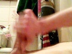 Big White vidz Dick Cumming  super in Slow Motion!