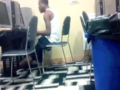 Dude Jacking vidz Off in  super Public Computer Lab - Baltimore heâ??s cute
