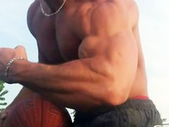 Alon (muscle vidz ripped hottie)