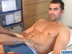 Straight guy vidz get massaged  super and wanked by a keumgay guy !