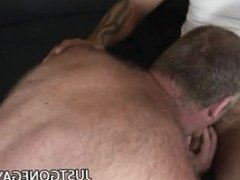 Nasty DILF vidz Bear Christian  super Volt Being Penetrated By Tattooed DILF Tom Colt