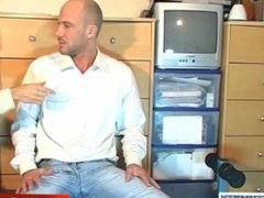 David a vidz real french  super straight guy get wanked in spite of im !