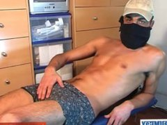 French straight vidz arab guy  super from suburbs get wanked his huge cock by a guy !