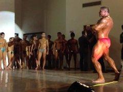 bodybuilder dave vidz riley posing