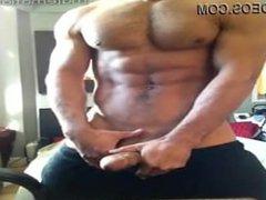 muscle guy vidz posing amateur