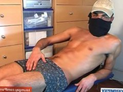 French arab vidz straight guy  super get wanked his very huge cock by a guy !
