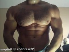 Cumming on vidz Hairy muscle  super chest!