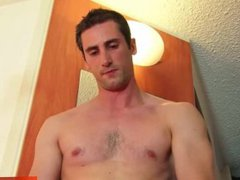 A very vidz handsome straight  super french guy get wanked by a guy in spite of him !