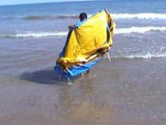 Euro Hot vidz Guy Plays  super on a Raft