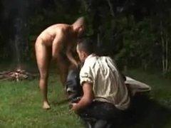 chicos resien vidz se encuentran  super en el campamento