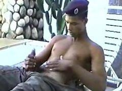 soldado brasileño vidz se masturba  super 2