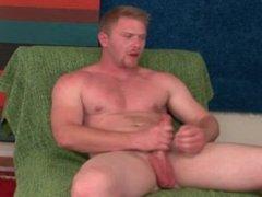 Super str8,very vidz hunky, beefy,  super muscular, hung, redhead,show off
