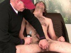 Blowing str8 vidz hairy submissive  super dude.
