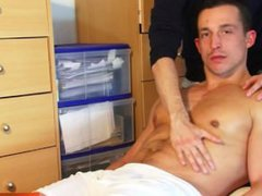 Eric a vidz straight soccer  super player gets wanked his huge cock by a guy ! woow!