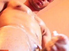 Taking a vidz shower with  super a very sexy mixed guy with huge cock !