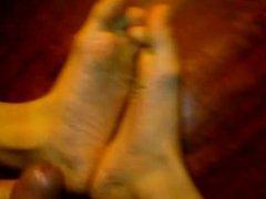 horny boy vidz cum on  super his feet and lick cum