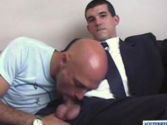 Straight guy vidz in suite  super toruser serviced his huge cock by our assistant!