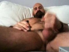 Daddy Bear vidz Jerkoff