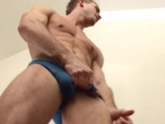 Solo hot vidz jerking off
