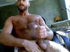 Muscle Hunk vidz solo super  super sexy - shaved head and bearded - it'll make you mad