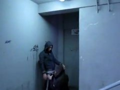 Sucking dick vidz in an  super apartment hallway and spitting out nut