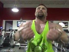 Offseason 250lbs vidz bodybuilder training  super and posing