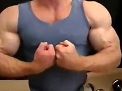 USE + vidz ABUSE ME  super MUSCLEGOD TOM LORD (WEBCAM 1/2)