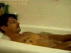 Tony Ward vidz in the  super tub.