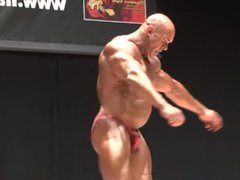 ROIDGUTTED BALD vidz MUSCLEBULL STEVE  super RED SHINY POSERS 1/4