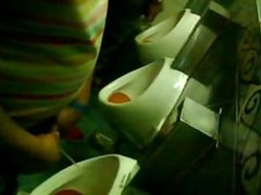 Spycam/ Espiando vidz baño de  super boliche 6 big coocks