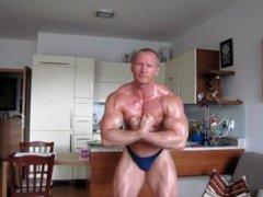 Oil Muscle vidz Posing