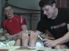 Straight boys vidz tickling each  super others feet 2