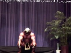 ROIDGUTTED MUSCLEBULL vidz WITH 2  super POSERS ON