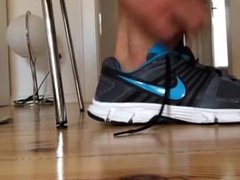 Sneaker Strip vidz And Foot  super Tease -