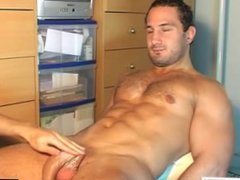Shake this vidz huge cock  super of real straight guy: enzo !