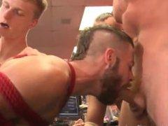 Publicly Butt-Fucked vidz By Machine