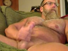 Muscle Daddy vidz Jerks Off  super on Couch