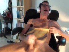 another str8 vidz guy makes  super me jack off on his pic on video