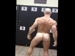 Hot Dad vidz in the  super Locker Room