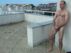 Jerking on vidz the rooftop