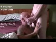 Tattooed Hairy vidz Daddy bear  super giving head to a Twink