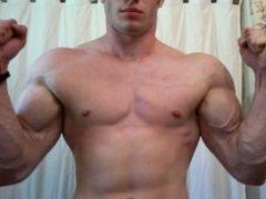 Muscular Matt vidz Flexing