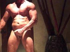 muscle stud vidz jerking it