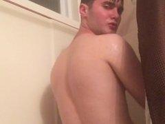 Stud in vidz the Shower