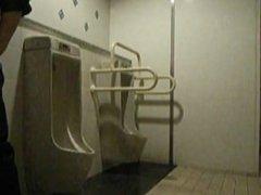 public toilet vidz dildo3