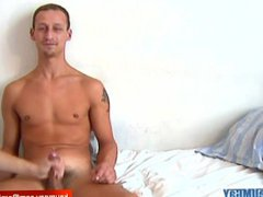 Straight hetero vidz guy gets  super wanked his big cock by a guy in spite of him !