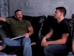 Muscled hunk vidz undresses twinks  super on the couch