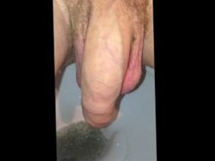 Close Up vidz of Dick  super while Pissing