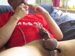 Dutch Sounding vidz Bator in  super red AZ-soccershirt, HD quality vid.